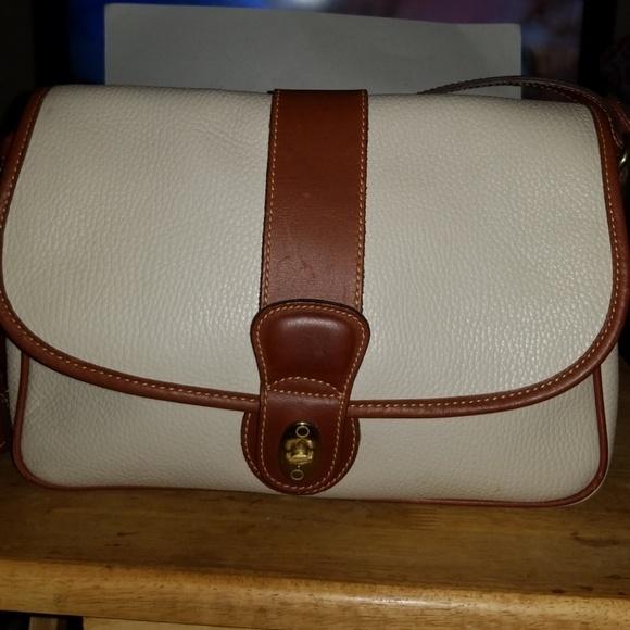 960c0c56cdc9 Coach Handbags - VINTAGE COACH SHERIDAN D4B-4225 TURNLOCK BAG MINT!